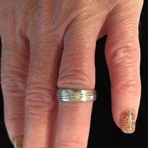 14k White gold diamond wedding band.
